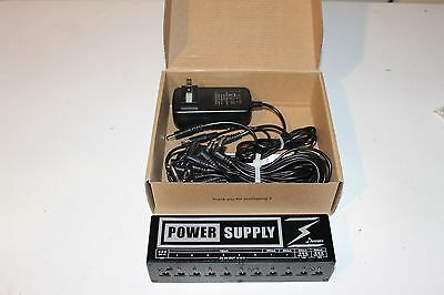 Pedalboard Donner Power supply