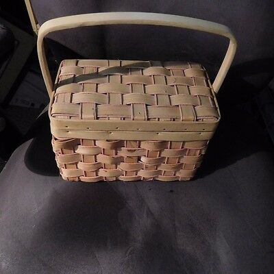 Wood Woven Basket With Hinged Lid And One Handle ( Purse)