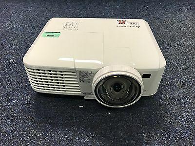Mitsubishi EX321U-ST Projector Short Throw 3D ready 70 lamp hours used
