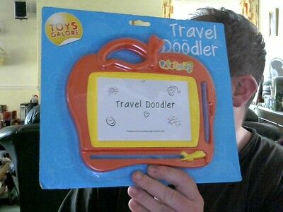 Travel Doodler Etch A Sketch Variant 2 Colours Great Xmas Gift! Free Uk Post