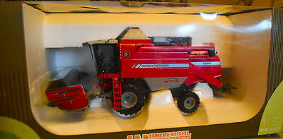 Farm Model...new / Universal Hobbies 1:32 Scale Uh2662 Massey Ferguson / Combine