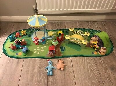 In The Night Garden Playmat With Figures And Accessories