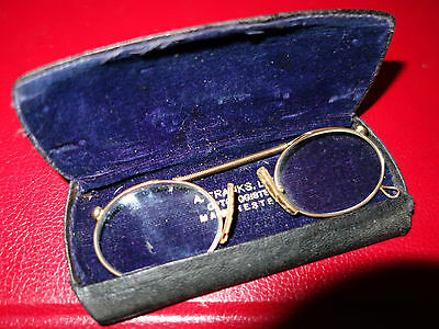 Antique early Victorian gold pinz nez glasses in case very good condition