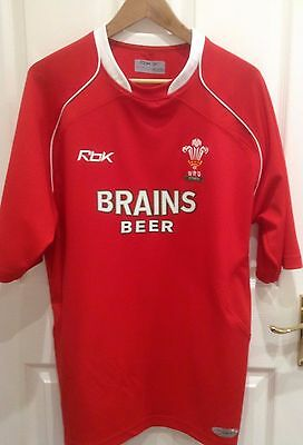 Wales WRU Short Sleeved Rugby Shirt Mans size M