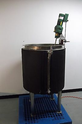 Stainless Steel Tank + Lightnin Mixer
