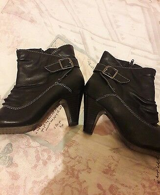 ladies black ankle boots size 6