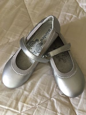 Girls Shoes - Size 31