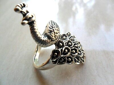 China old antique Elegant Tibet silver Carved  peacock  ring