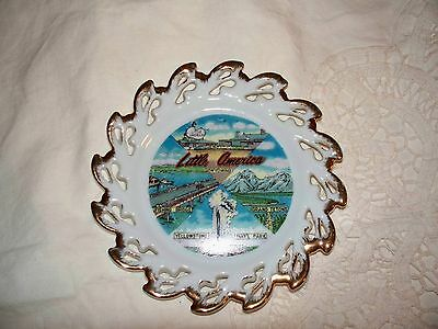 """Collectible Plate, """"little America"""""""