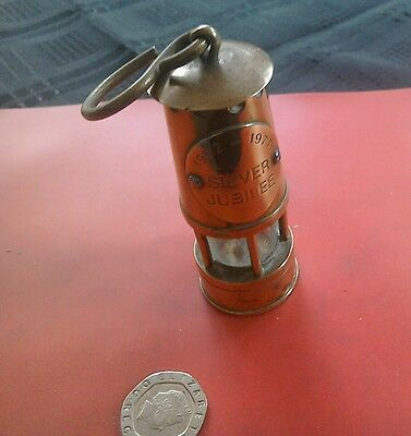 Solid brass novelty miniature miners lamp commemorating the Silver Jubilee 1977
