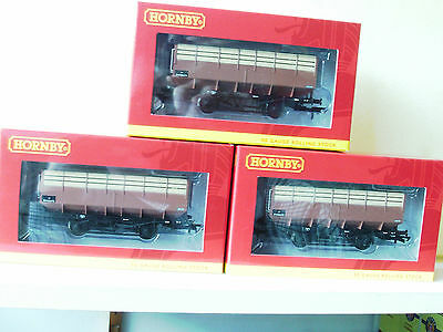 Hornby 00 3 x R6733/A LMS 20 Ton Coke Hopper Wagon in BR Bauxite Livery