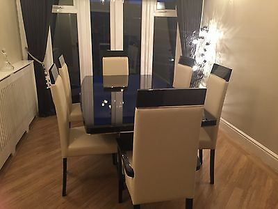 High Gloss Dining Room Table with 6 Chairs
