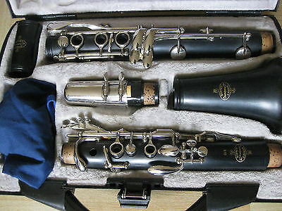 Buffet Crampon B10 Clarinet with diffrent colour case