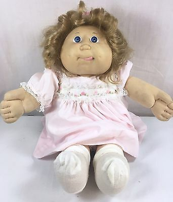 Vtg 1986 Coleco Cabbage Patch Kids Girl Doll Tan Cornsilk Hair w/Clothes Tongue