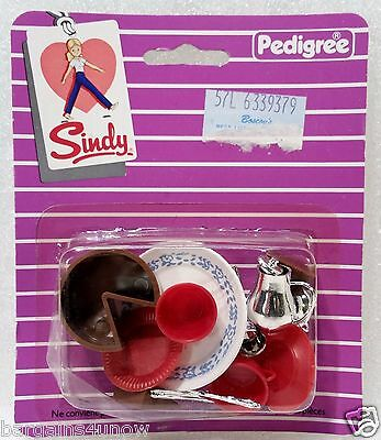 70S SINDY DOLL ACCESSORIES  PACK PEDIGREE ENGLAND Kitchen Dishes Set 44383