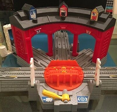 FISHER PRICE GEO TRAX Workin' Roundhouse H4834 Missing Fuel Station