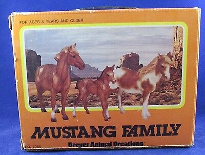Breyer Vintage Mustang Family Box Only