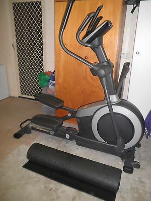 Healthrider H50e- Cross Trainer - Mat Included