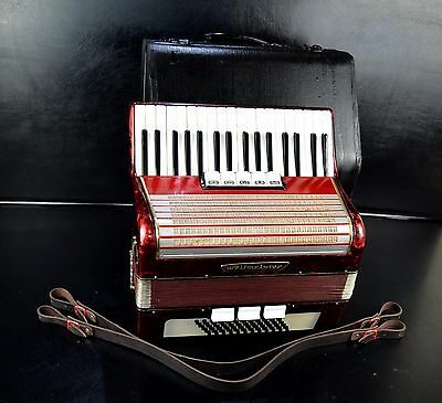 VINTAGE GERMAN TOP PIANO ACCORDION WELTMEISTER 60bass,8sw.+CASE&BRAND NEW STRAPS