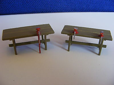 2 Workshop Benches including 3 Vices - 1:43 White Metal Model