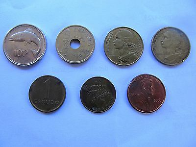 Mixture of 7 coins from various countries