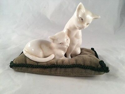 Vintage Old Linville China Green Velvet Pin Cushion 2 White Ceramic Cats ANTIQUE