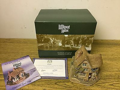 LILLIPUT LANE Cottage. In Box. THE CATS WHISKERS