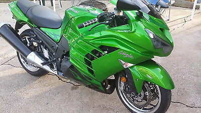 2012 Kawasaki Ninja  2012 Kawasaki ZX-14R in beautiful condition!