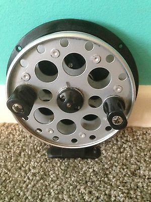 Shakespeare -  Eagle 2900 - 400 centre pin reel  (vintage)