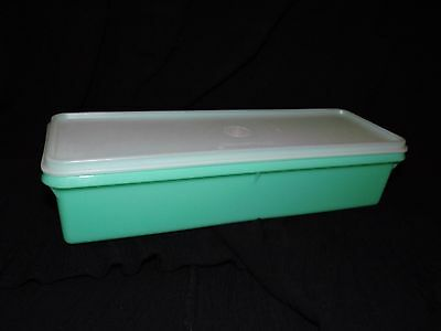 Vintage TUPPERWARE Celery - Vegetable Keeper #892-5 ~ Green~ Excellent Condition