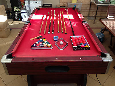 Pool Table 8Ft Pub Size With Table Tennis Top & Accessories - No Reserve!
