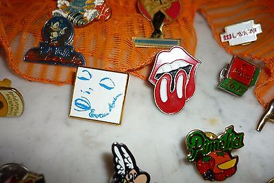 Lot De Pin's Pins Et Badges Collection Madona Rolling Stone Asterix Skyrock
