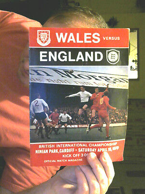 Wales V England Football Programme 18.04.1970 International Last Chance Saloon