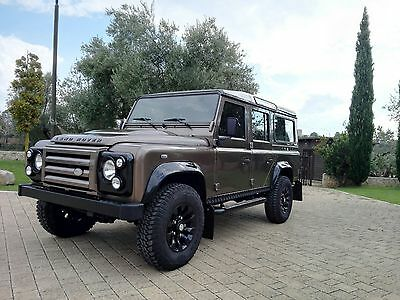 LAND ROVER Defender 110 SVX 60th Limited Edition