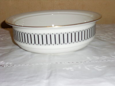 Wedgwood Colosseum by Susie Cooper Serving Dish