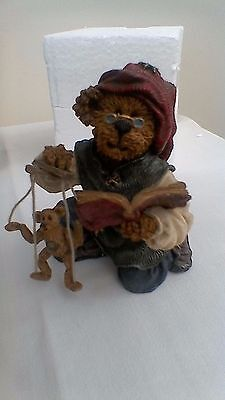 Boyds Bears resin sculpture, Isaac Chisely & Woody...Makin Friends. No:228390