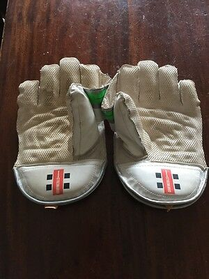 Young boys wicket keeping gloves - Gray Nicholls
