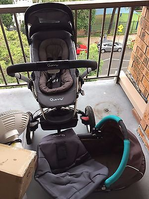 Quinny Pram Stroller with bassinet and stroller seat