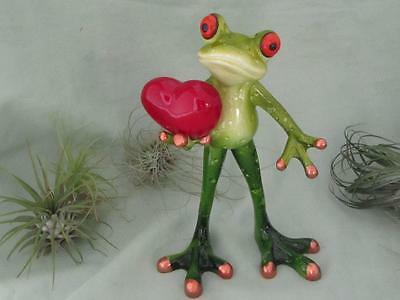 TREE FROG GIVING HIS HEART LOVE AWAY RESIN Romantic Valentines Sculpture