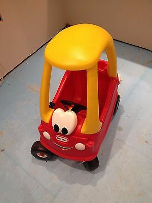 little tikes cozy coupe red and yellow car A1 condition