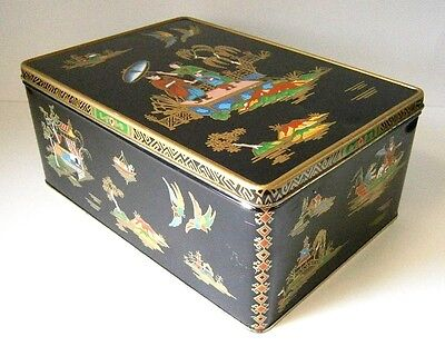 LARGE DECORATIVE CAKE / BISCUIT TIN with WILLOW PATTERN CHINOISERIE DESIGN