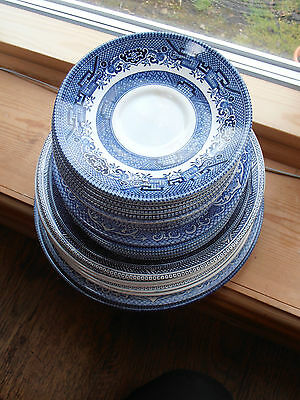 Vintage mixed lot of blue  willow pattern different size  plates & saucers