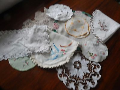Selection of 14 Vintage Mats and Doilies