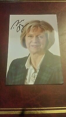Theresa May Hand Signed 6x4 Photo, Autograph, Current British Prime Minister C