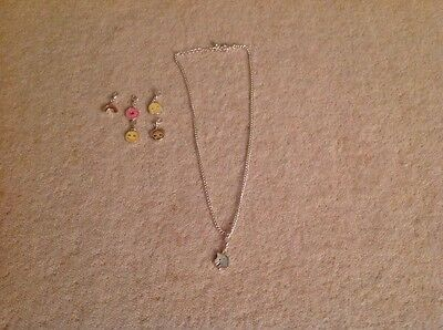Children's necklace with changable charms