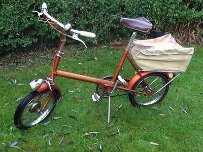 Vintage 1960's  'RALEIGH' RSW16 Bicycle in Red.