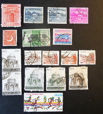 Pakistan Old / Early Collection of Stamps lot908