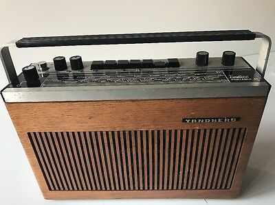 "Tandberg Portable 41 - Vintage Radio ""working"""