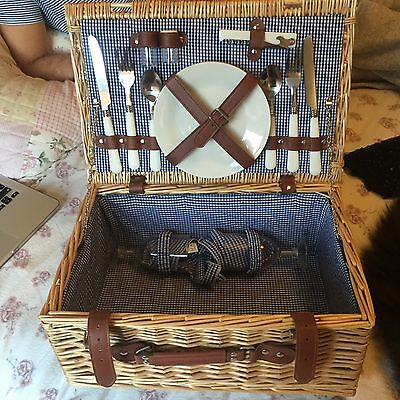 picnic basket hamper for 2 with cutlery crockery wine glasses brown wicker