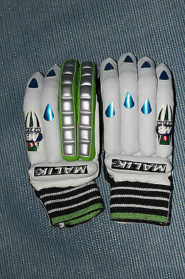 Malik Legend Gloves Right Handed Mens low price